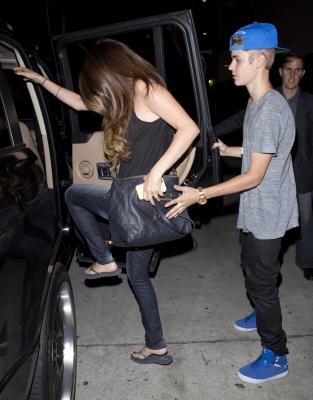 05/07/12 Selena et Justin sortent dans Hollywood