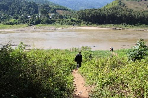 Le village Houay Lam Phene (Hmong noirs)