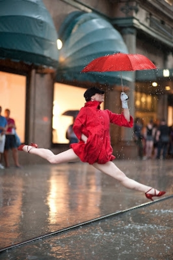 Dancers-Among-Us-at-Macys-Annmaria-Mazzini