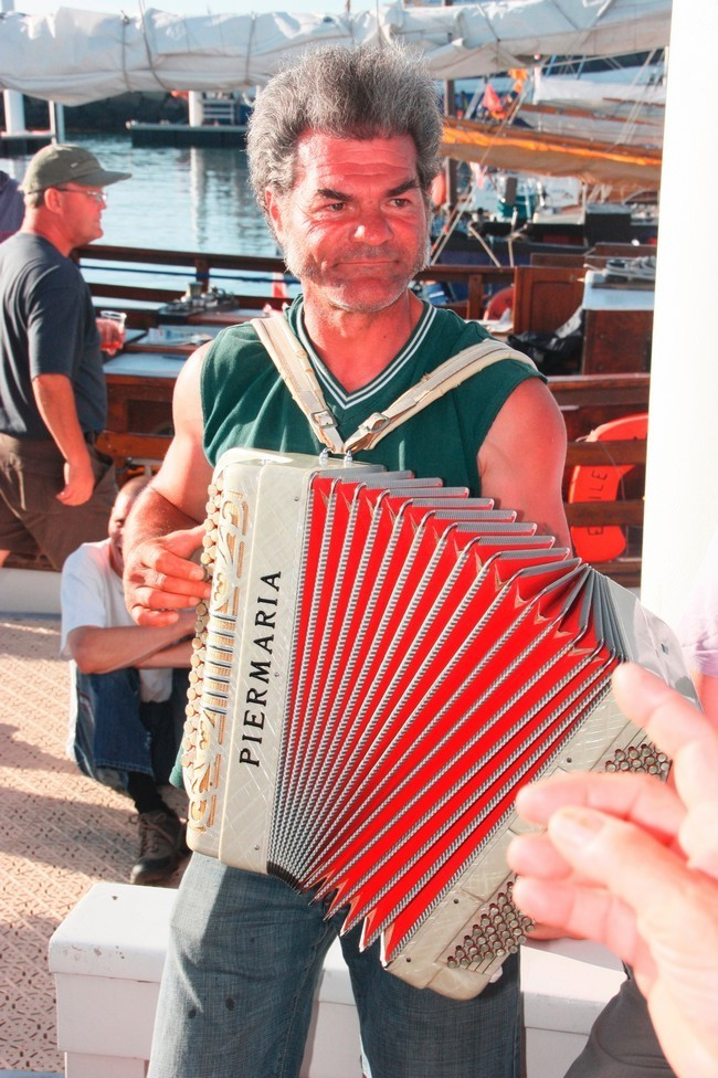 Le-Renard--1698-accordeon.jpg