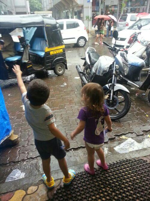 Surpris par une averse à Bandra