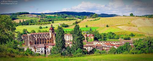 Saint Antoine l'Abbaye, la Belle Médiévale!