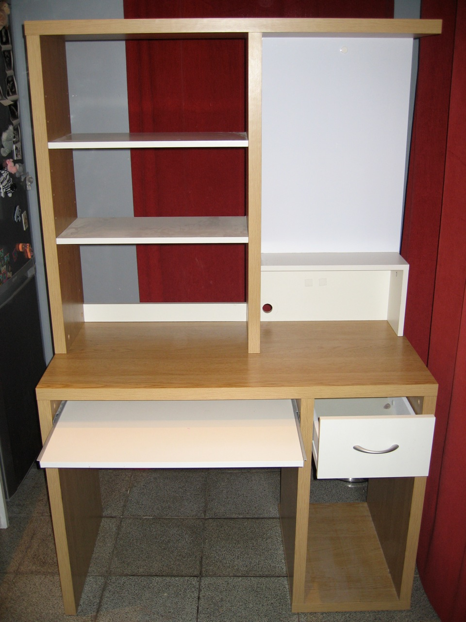 Meuble ordinateur ikea table de lit for Meuble d ordinateur bureau en gros