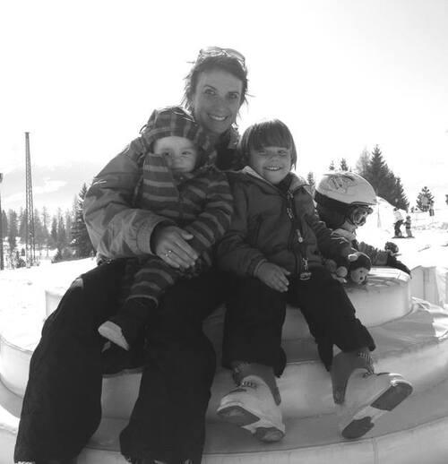 la famille aux sports d'hiver