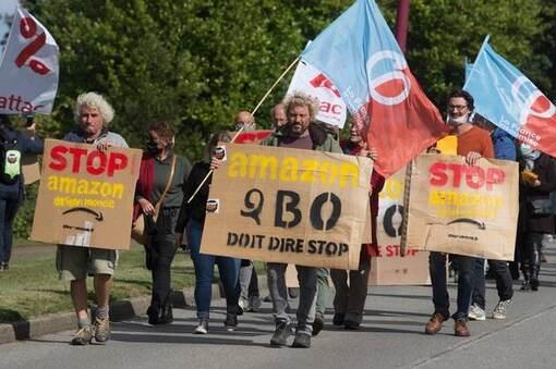 Le collectif «Stop Amazon» s'est rassemblé à Briec (Finistère) ce samedi 26septembre.