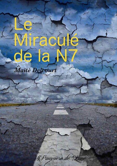 Découvrez la couverture de la prochaine sortie des Editions Poussières de Lune @EditionsPDL