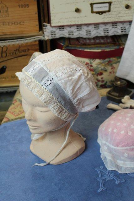 ACCESSOIRES féminin anciens, cols, coiffes et bonnets, chapeaux ...