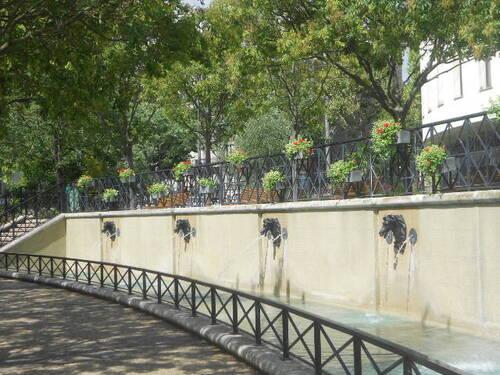 UN JOLI PETIT JARDIN DANS LE 16 ÈME, PARIS