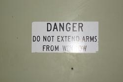 Waffen können gefährlich sein.