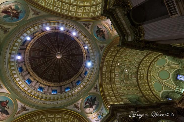 Montréal : Cathédrale Marie-Reine-du-Monde 2/2