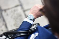 Pria Harus Lebih Teliti Ketika Membeli dan Menggunakan Jam Tangan