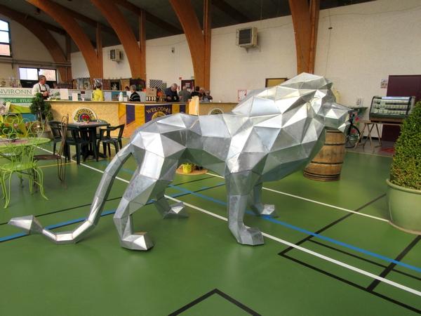 """Le salon """"Arts et saveurs"""", organisé par le Lions Club de Châtillon sur Seine, a eu un immense succès salle Luc Schréder..."""