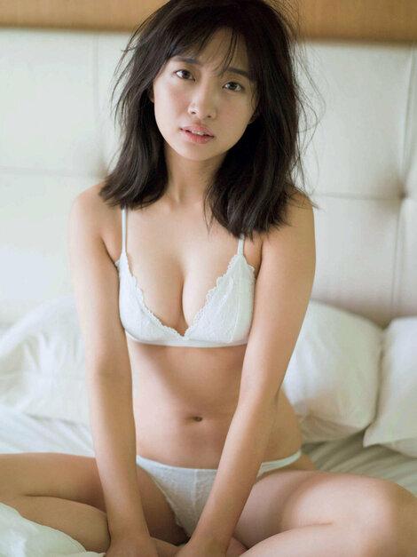 Magazine : ( [FRIDAY] - 23/11/2018 - Rena Kuroki, Miwako Kakei, Rena Takeda, Hinako Sano, Yuka Ogura, Ai Shinozaki, Yuno Ohara, Nana Asakawa, Yurina Yanagi & Kome Watanabe )