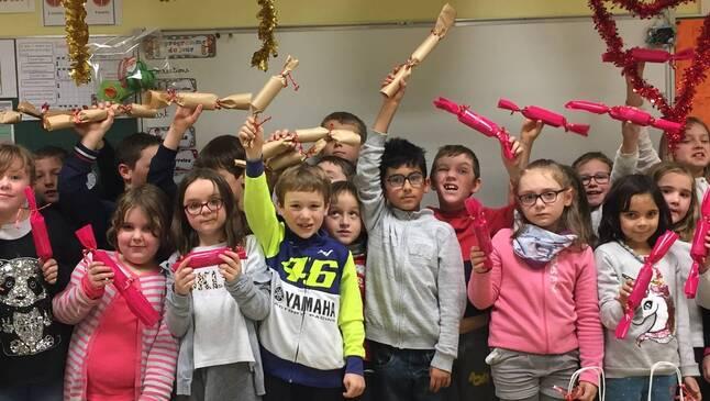 Les élèves de Saint-Jean ont plongé dans la magie de Noël, vendredi, avant le départ en vacances.