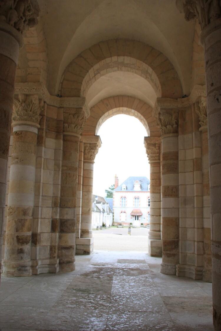 colonnes de la tour porche