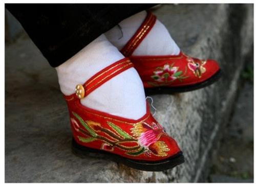 Vendredi haïku, senryû, la chaussure en général...