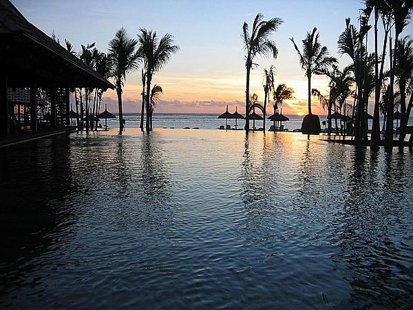 800px-Mauricius Sunset
