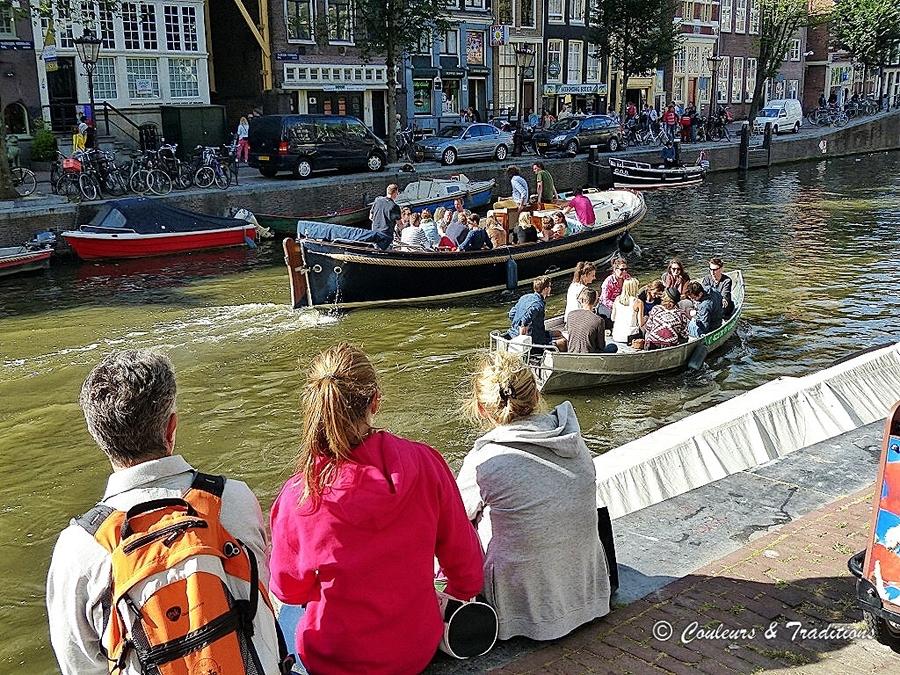 Vivre dans un bateau à Amsterdam