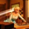 Odette travaillant dans la boulangerie de son père