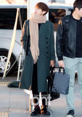 09/01/2016 Aéroport de Taoyuan (Direction Taïwan) J-Hope, Jin, Rap Monster, V + BTS