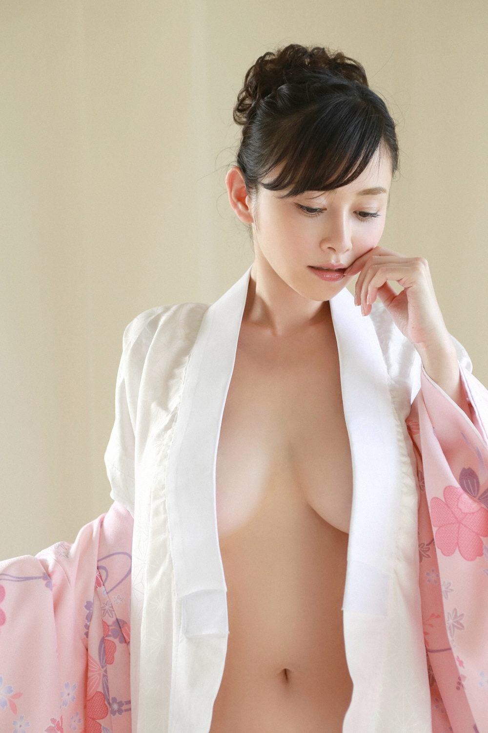 Sugihara Anri 杉原杏璃 YS Web Vol 655 Photos 36