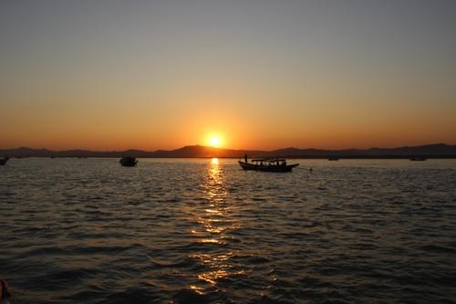 Coucher de soleil sur l'Irrawady
