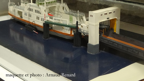 Mindin : maquette du bac - model of the ferryboat