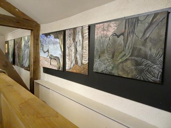 Des arbres remarquables peints par les artistes des Amis du Châtillonnais, à voir à la Maison de la Forêt de Leuglay