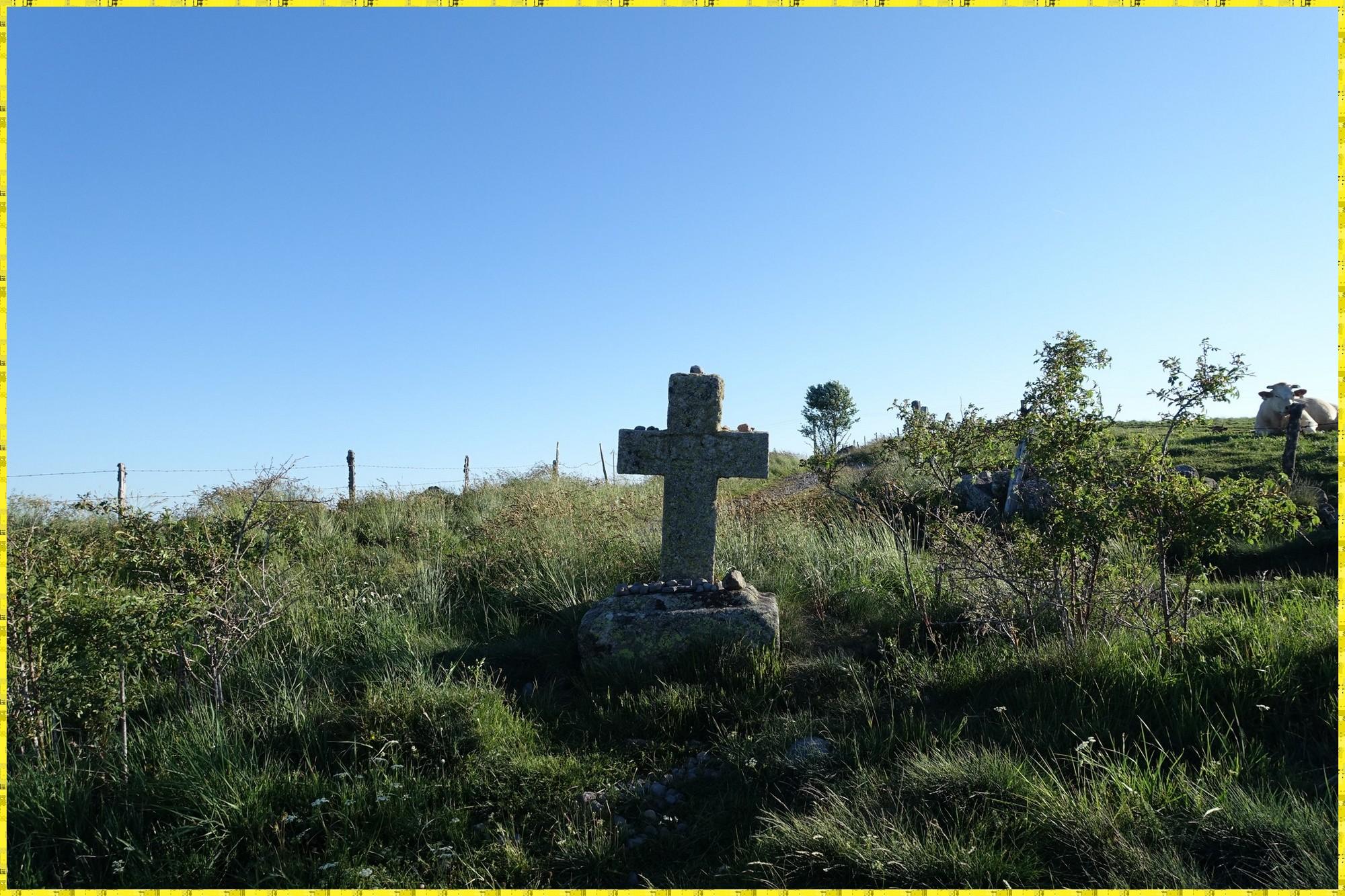 De nombreux calvaires sur la partie nord du Camin de Sant Guillem