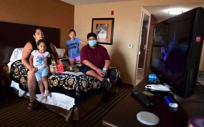 Incendies aux États-Unis : la terrible angoisse des habitants qui refusent de quitter leurs maisons