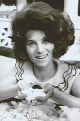 15 avril au 10 juin 1964 : Je vois la vie en rose...