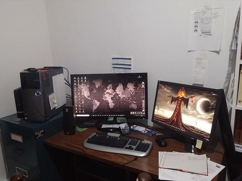 1PC 2 écrans 2 backgrounds différent et plus yessss!
