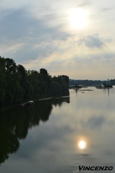 Tours 6 la Loire au lever du soleil