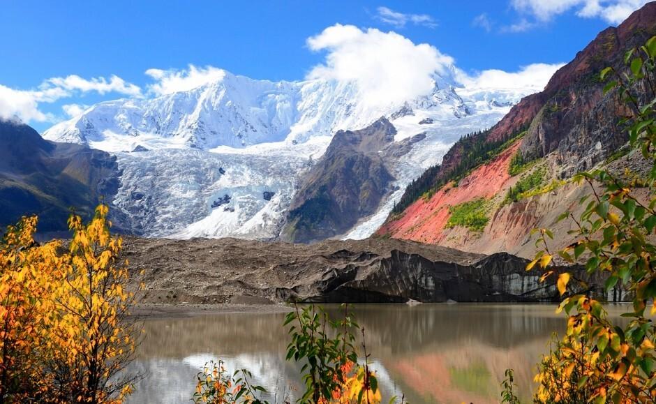 Midui-Glacier-Tibet-940x579