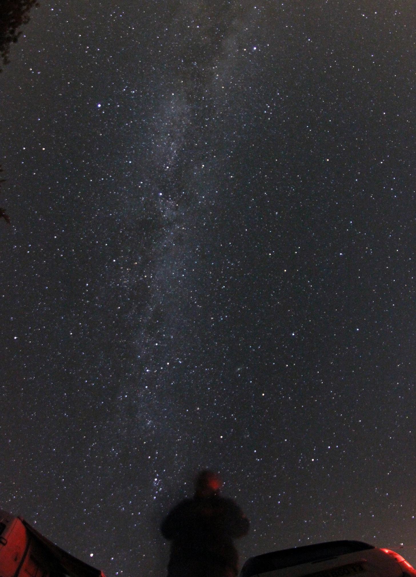 http://ekladata.com/5zT3b6sDweBI95pz9f7sWdxnC6o/Saint-Jurs-2016-Voie-Lactee-observateur.jpg