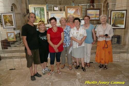 Les peintres de la Section Peinture des Amis du Châtillonnais, ont exposé dans l'église de Gevrolles....