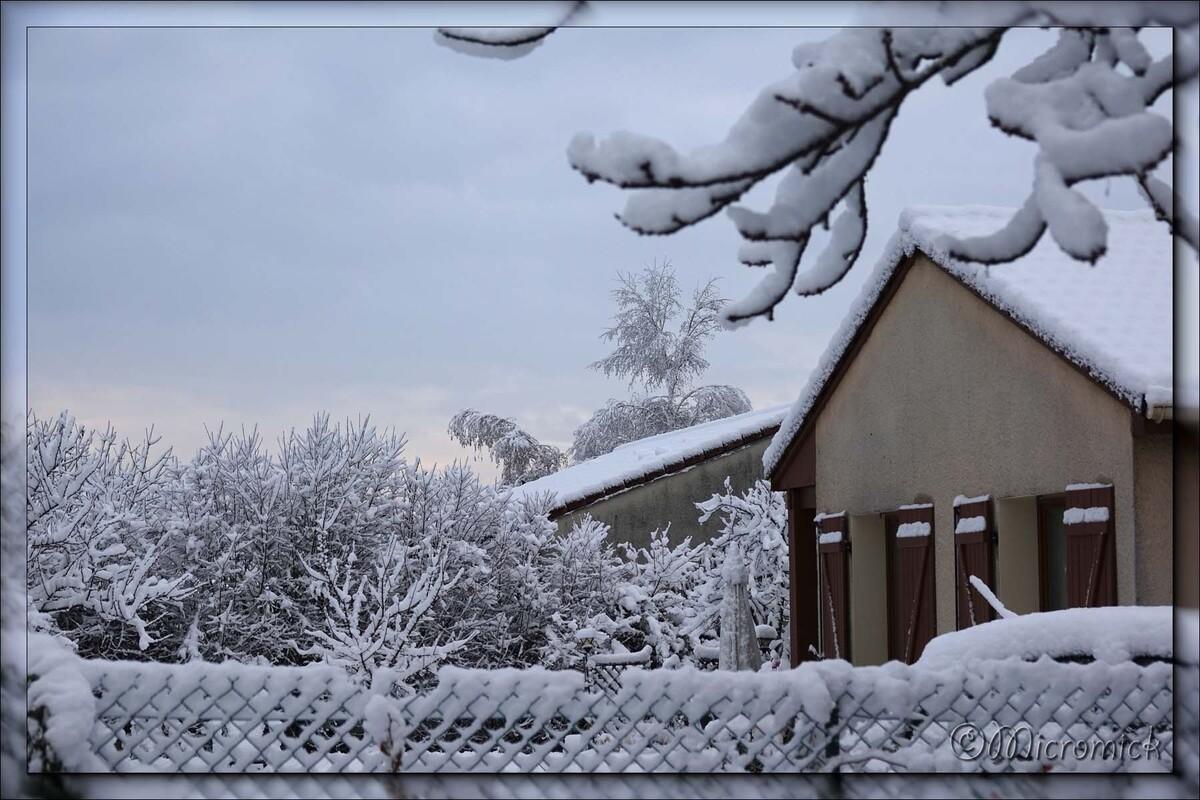 Première neige dans la plaine d'Auvergne