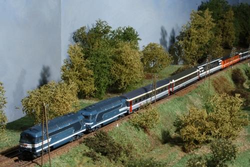 L'Eurocity Arbalète assuré en UM 67400 + rame CFF