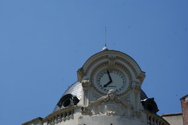 n° 137- Horloge ou pendules