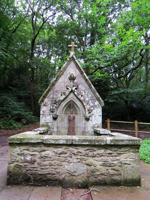 Le Lac de Guerlédan et son assec : La chapelle Sainte Tréphine