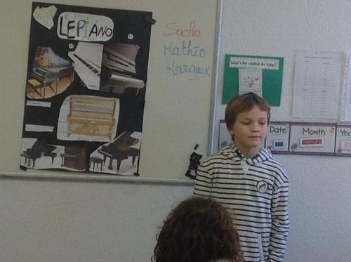 Auguste et le piano