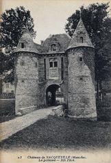 LES REMPARTS DE NACQUEVILLE (Manche)