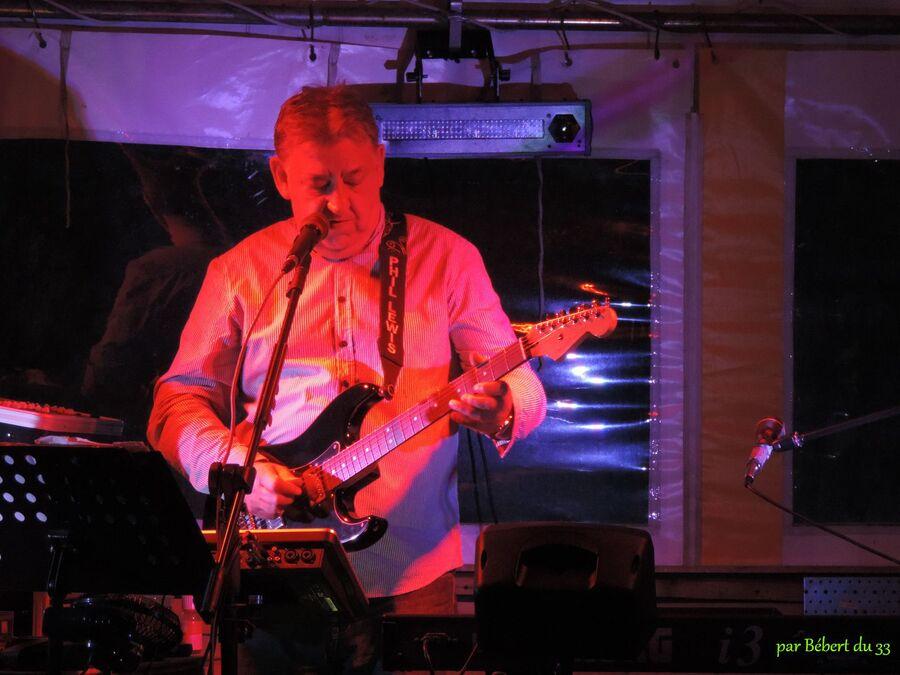 M Phil Lewis en concert Rock