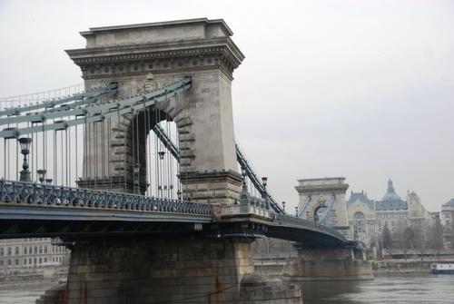 Budapest: autour du pont aux çaînes (photos)