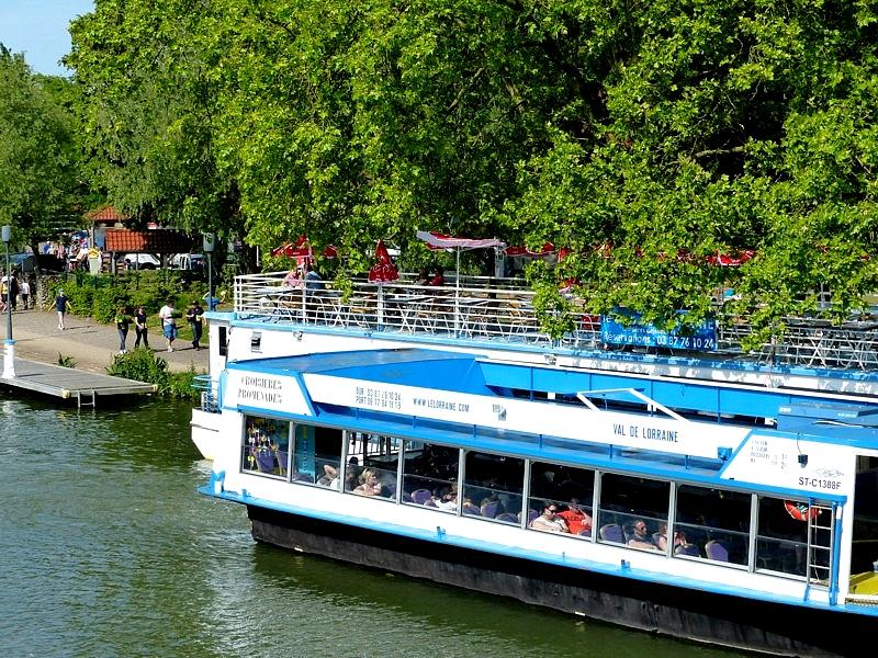 Metz / Le restaurant et bar le Duc de Lorraine au plan d'eau...