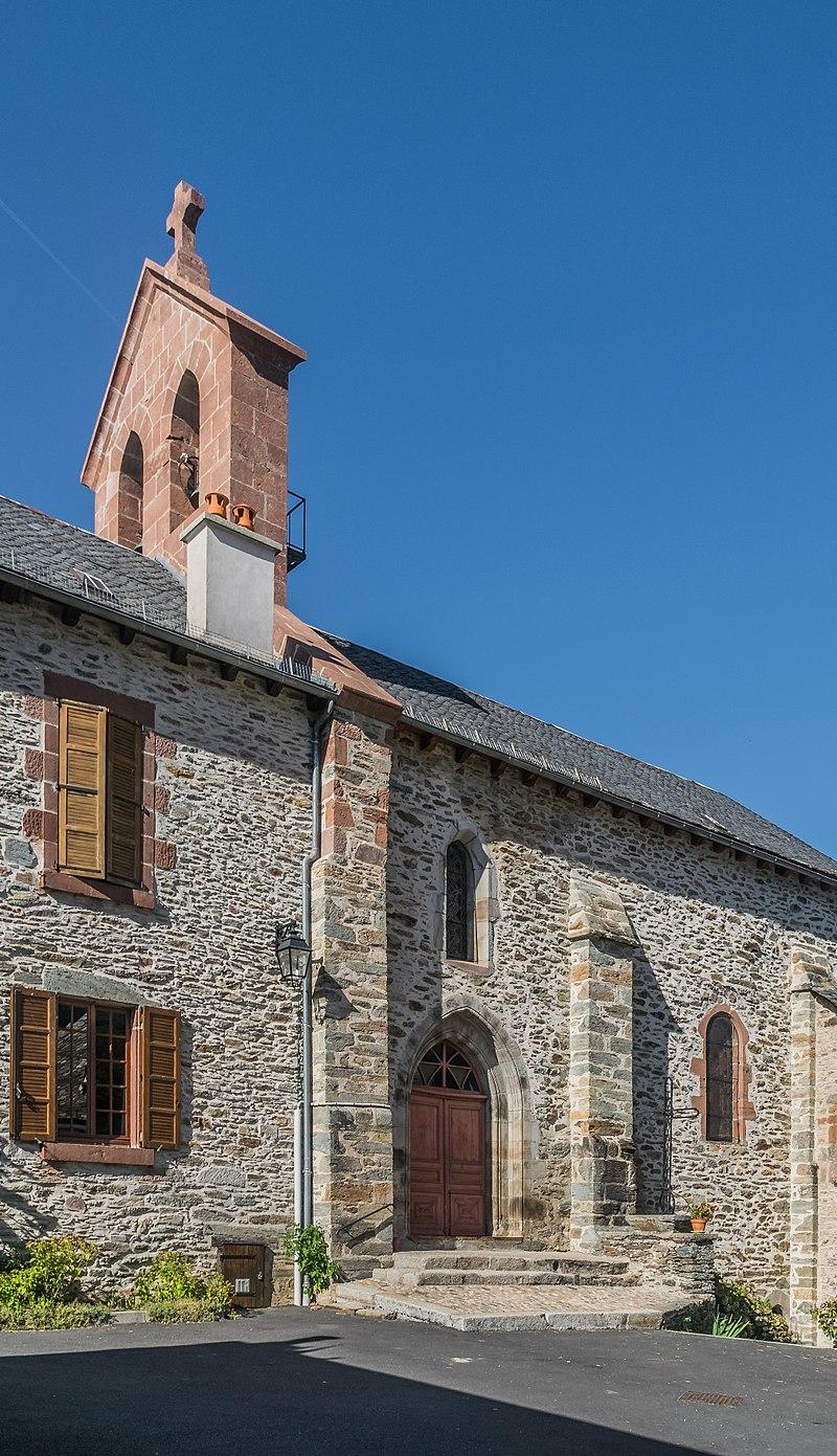 Church Saint-Projet in Cassaniouze 03.jpg