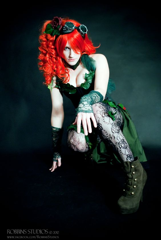 This Steampunk Poison Ivy Costume Catches Your Eye: