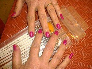 nail art rose fuschia et strass 003