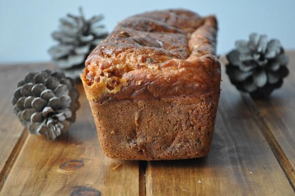 Cake aux noix et au roquefort