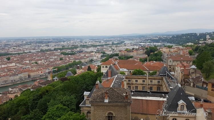 Lyon : La ville vue des toits de la basilique